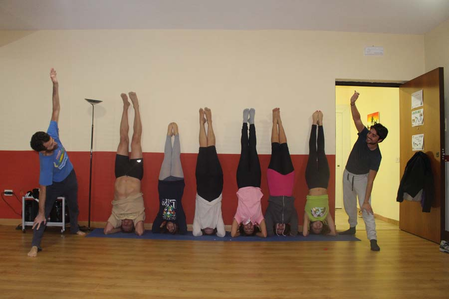 Auguri Di Natale Yoga.Cus Napoli Gli Auguri Del Settore Yoga Al Cus