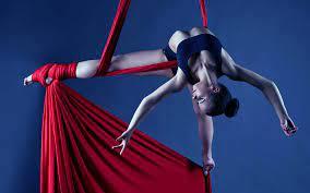 https://www.cusnapoli.it/new/wp-content/uploads/2021/05/danza-aerea.jpg