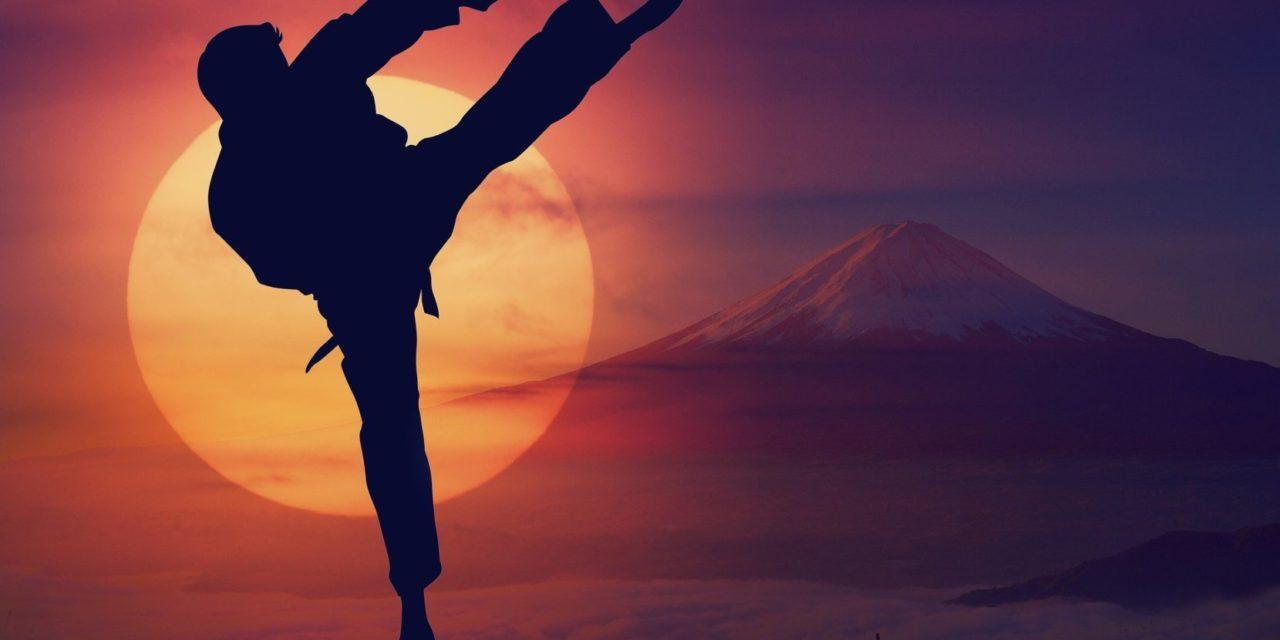 https://www.cusnapoli.it/new/wp-content/uploads/2021/05/karate-arte-marziale-830x450@2x-1280x640.jpg