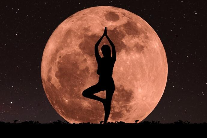 https://www.cusnapoli.it/new/wp-content/uploads/2021/06/superluna-meditazione.jpg